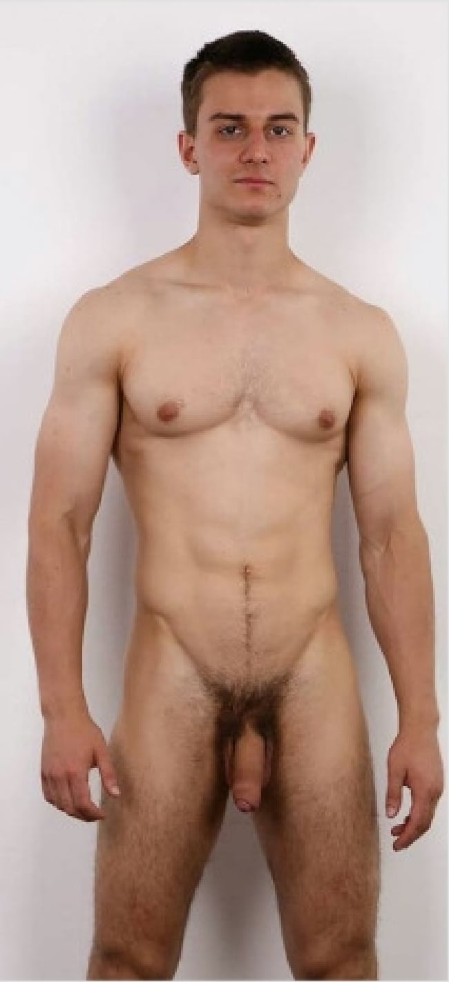 Sexy Nude Man With A Soft Cock - Gay Cam Selfies